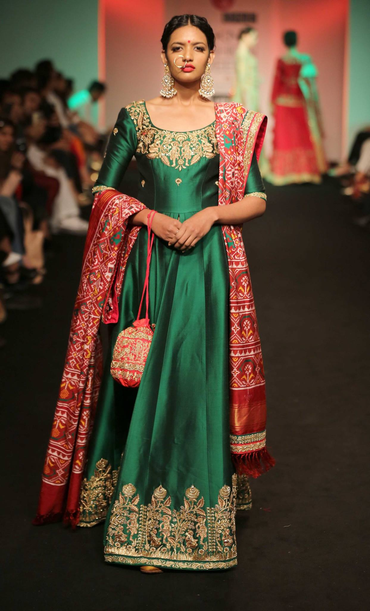 Saroj Jalan At Lakme Fashion Week Aw16 Look 10 Saroj