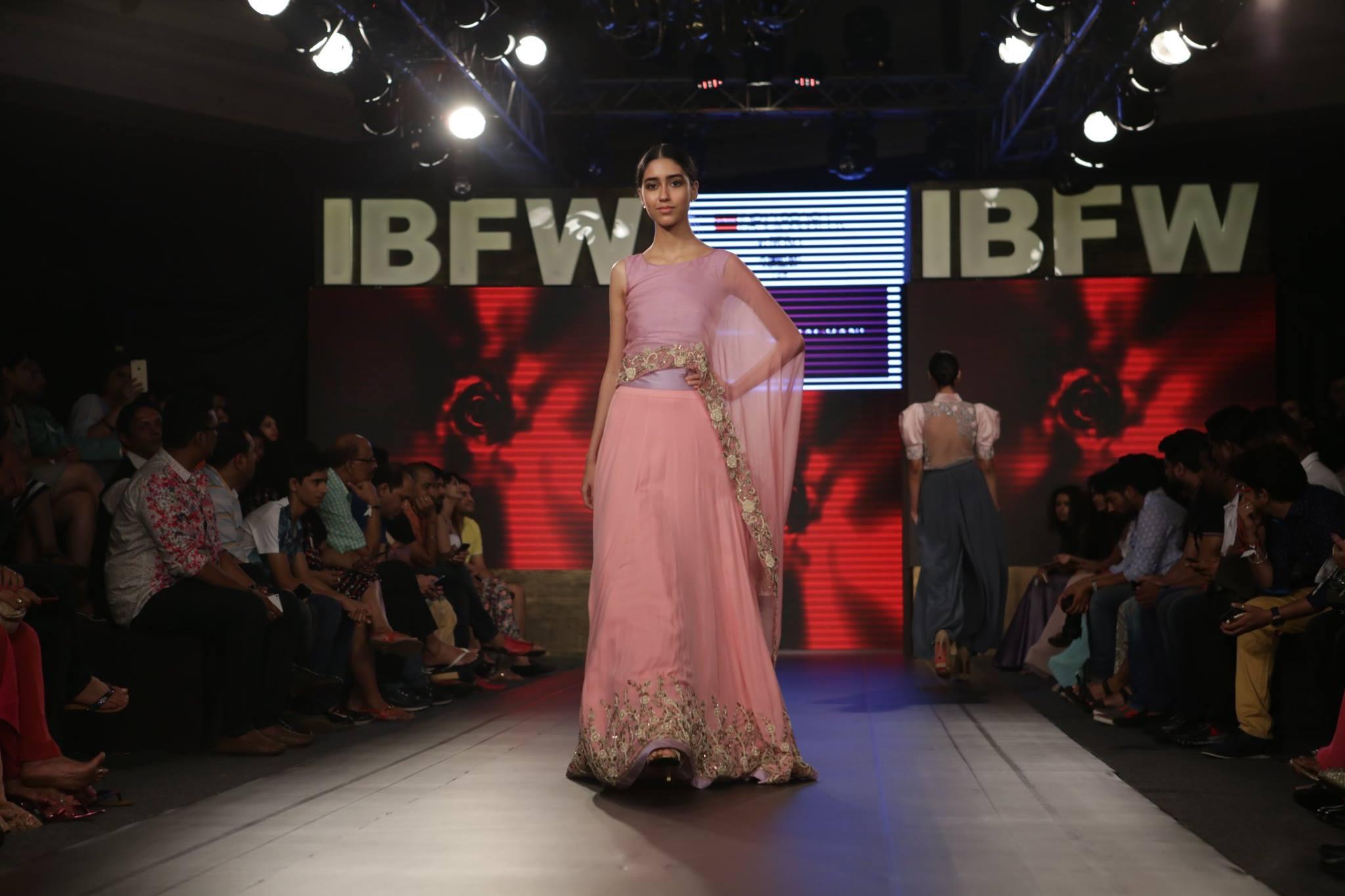 Dimple Raghani at India Beach Fashion Week AW15 - Look 18