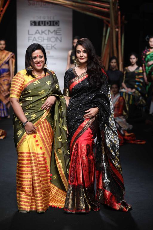 Mekhela Chador By Sanjukta Dutta Lakme Fashion Week Sr