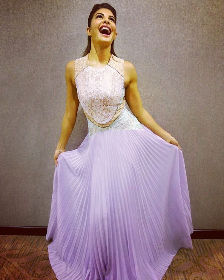 jacqueline fernandez looks delightful in lilac dress