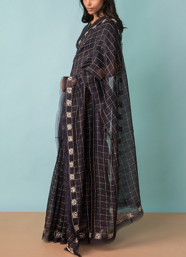 6cad18ce0ae507 ... Indian Fashion Designers - Kanelle - Contemporary Indian Designer - Zari  checkard Saree With Gold Detail ...
