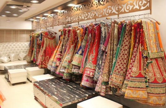 Wedding Lehengas | 10 Things to Remember When Shopping For An Indian Wedding Dress
