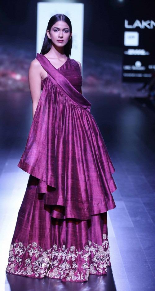 Surendri-Surendri by Yogesh Chaudhary at Lakme Fashion Week - AW16 - Look 18