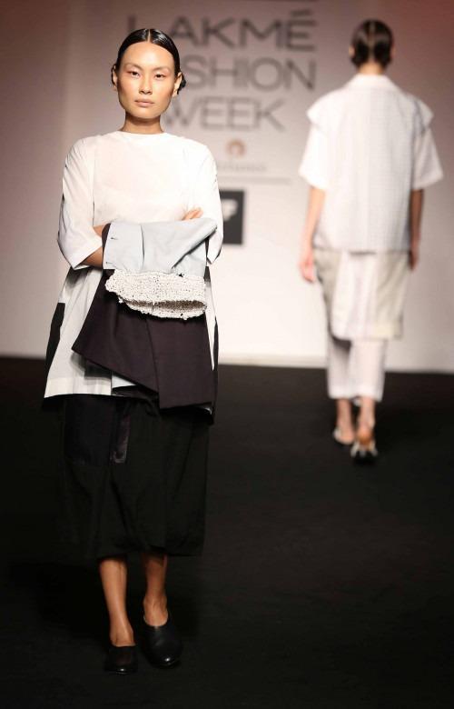 Asa Kazingmei at Lakme Fashion Week - AW16 - Look 1