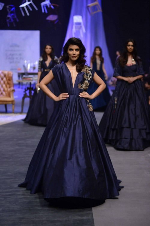 Day 01- Philips Presents Manish Malhotra- Image 30