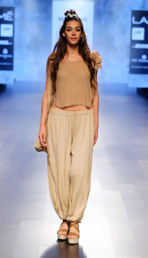 MRINALINI CHANDRA AT LAKME FASHION WEEK - AW16 - LOOK 1