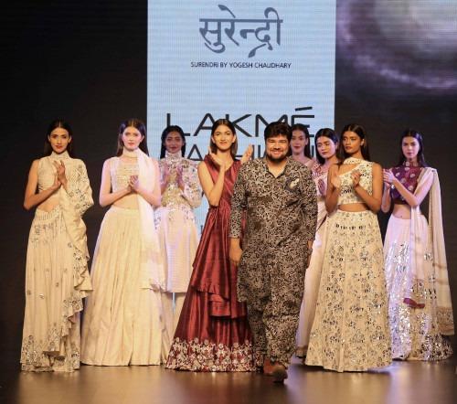 Surendri-Surendri by Yogesh Chaudhary at Lakme Fashion Week - AW16 - Look 10