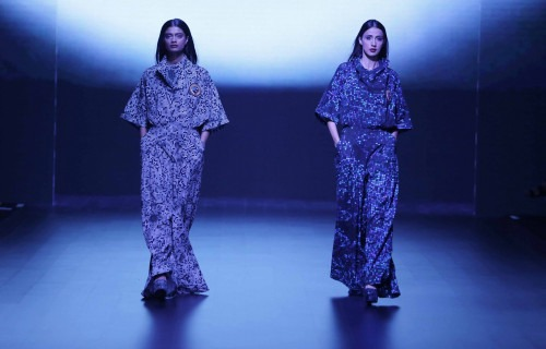 Surendri-Surendri by Yogesh Chaudhary at Lakme Fashion Week - AW16 - Look 9