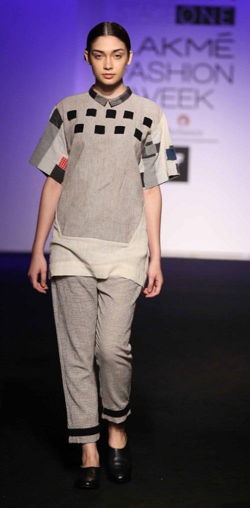 Asa Kazingmei at Lakme Fashion Week - AW16 - Look 10