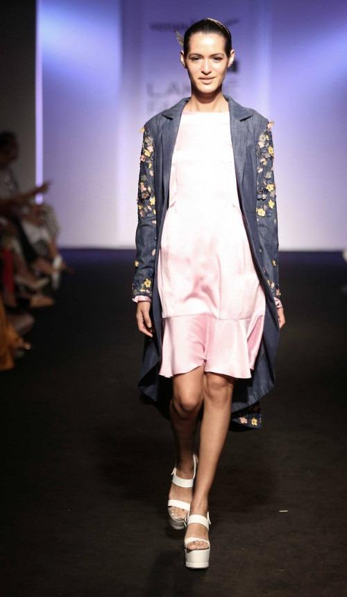 Anjali-Verandah by Anjali at Lakme Fashion Week - AW16 - Look 12