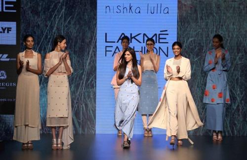 Nishka Lulla-NISHKA LULLA AT LAKME FASHION WEEK - AW16 - LOOK 10