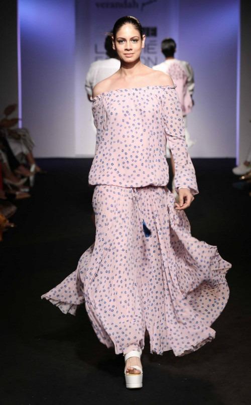 Anjali-Verandah by Anjali at Lakme Fashion Week - AW16 - Look 14