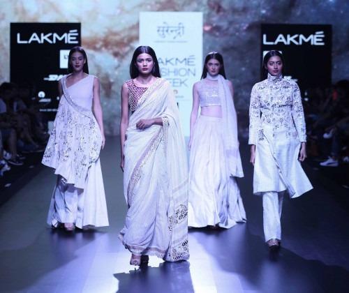 Surendri-Surendri by Yogesh Chaudhary at Lakme Fashion Week - AW16 - Look 7