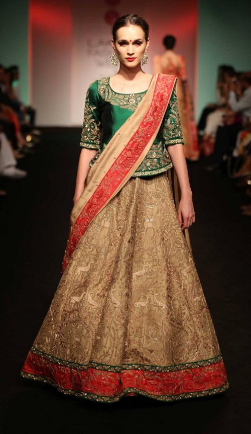 Saroj Jalan at Lakme Fashion Week - AW16 - Look 8