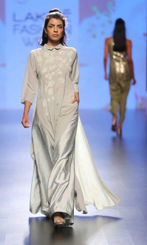 Neeta Lulla-NEETA LULLA AT LAKME FASHION WEEK - AW16 - LOOK 23