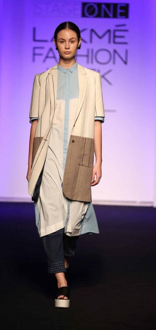 Asa Kazingmei at Lakme Fashion Week - AW16 - Look 13