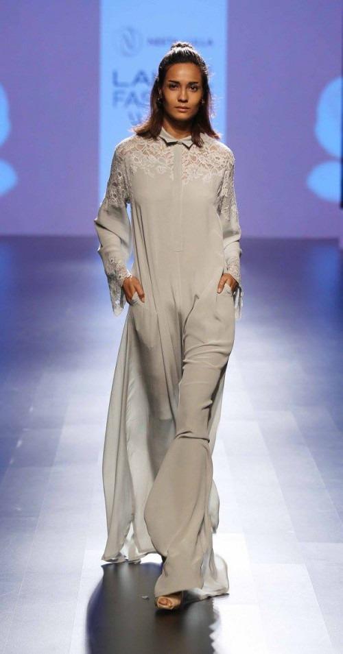 Neeta Lulla-NEETA LULLA AT LAKME FASHION WEEK - AW16 - LOOK 38