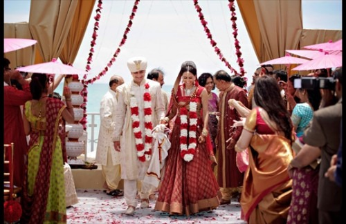How to throw and Authentic Indian Wedding