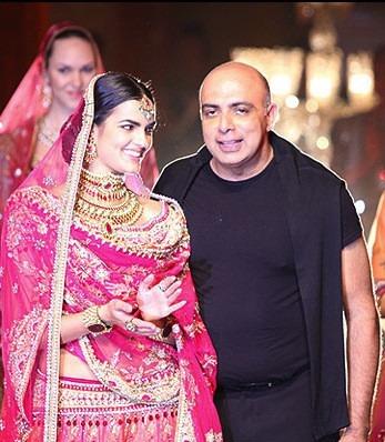 Indian fashion designer Tarun Tahiliani's Guide To Dressing For A Wedding