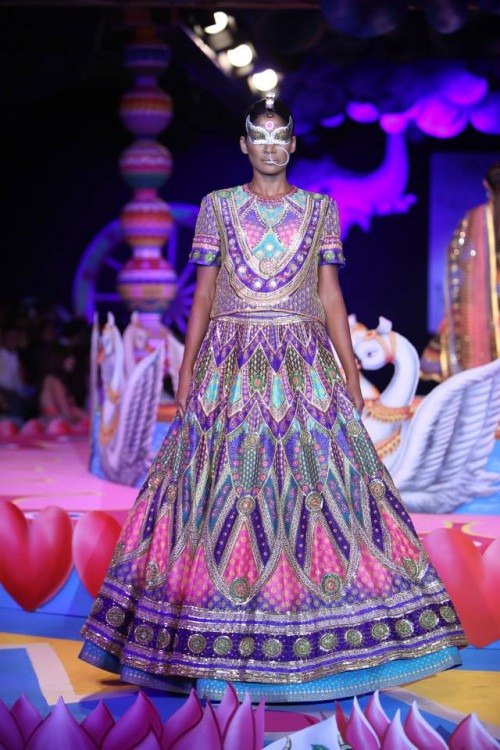 Manish Arora S Global Indian Collection Manish Arora News