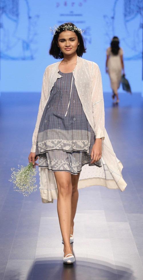 Pero by Aneeth Arora at Lakme Fashion Week AW16 - Look 2