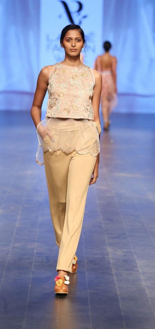 Archana Rao at Lakme Fashion Week AW16 - Look 8