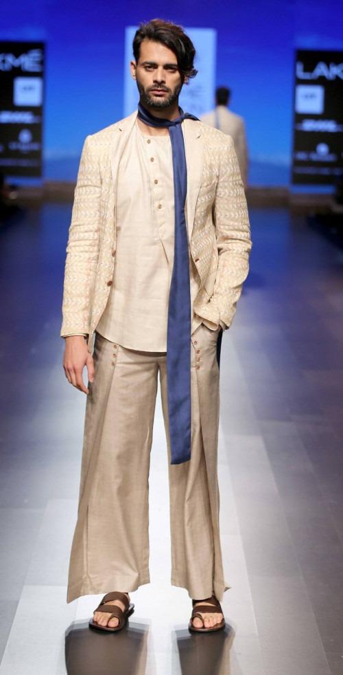 Dhruv Kapur at Lakme Fashion Week AW16 - Look 14