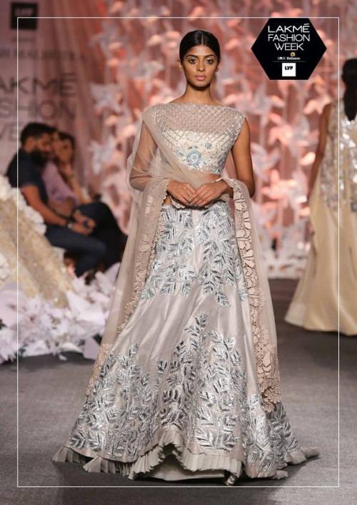 Manish Malhotra at Lakme Fashion Week AW16 - Look 32