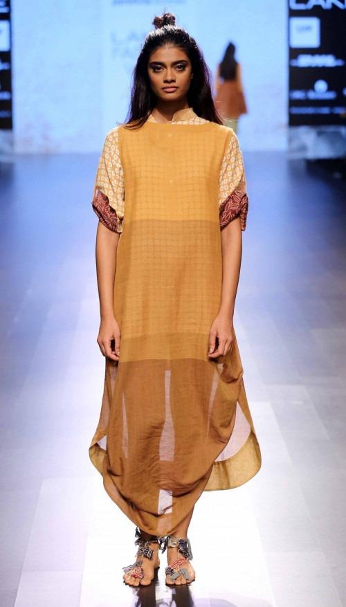 Paromita Banerjee at Lakme Fashion Week AW16 - Look 16