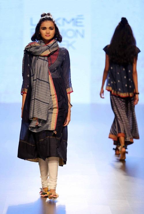 Paromita Banerjee at Lakme Fashion Week AW16 - Look 19