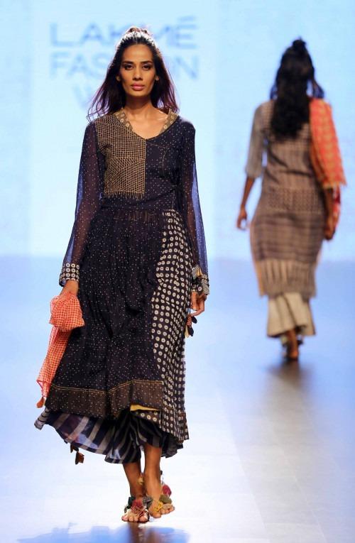 Paromita Banerjee at Lakme Fashion Week AW16 - Look 23