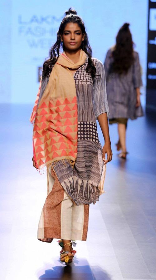 Paromita Banerjee at Lakme Fashion Week AW16 - Look 24