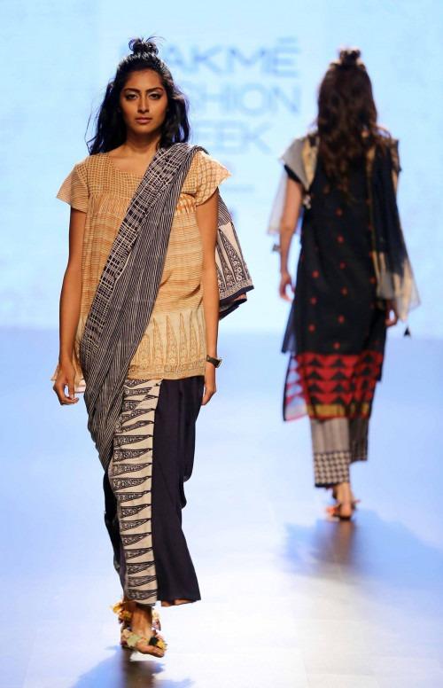 Paromita Banerjee at Lakme Fashion Week AW16 - Look 25