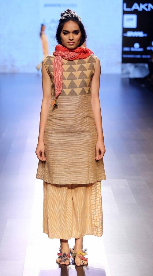 Paromita Banerjee at Lakme Fashion Week AW16 - Look 28