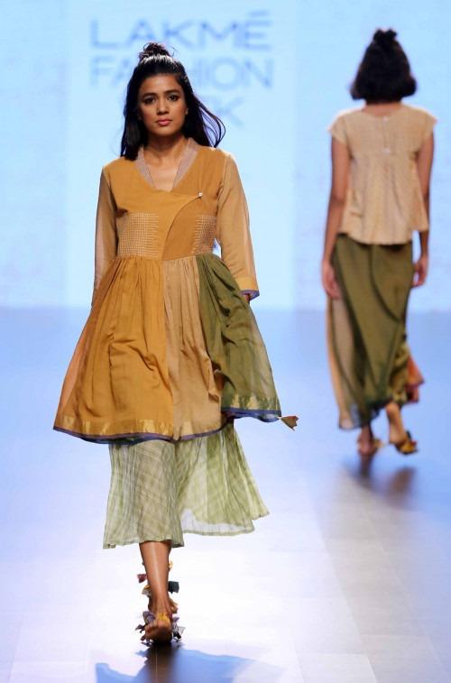 Paromita Banerjee at Lakme Fashion Week AW16 - Look 8