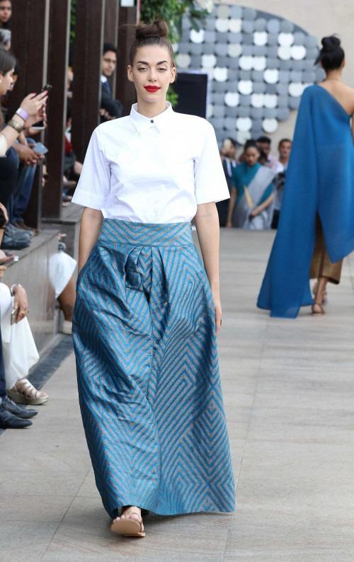 Payal Khandwala at Lakme Fashion Week AW16 - Look 21