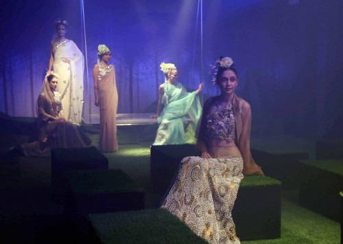 Pinakin at Lakme Fashion Week AW16 - Look 13