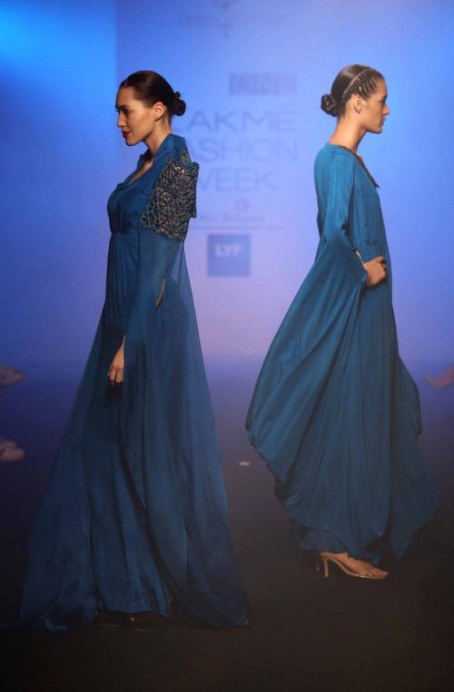 Priyam Narayan at Lakme Fashion Week AW16 - Look 18