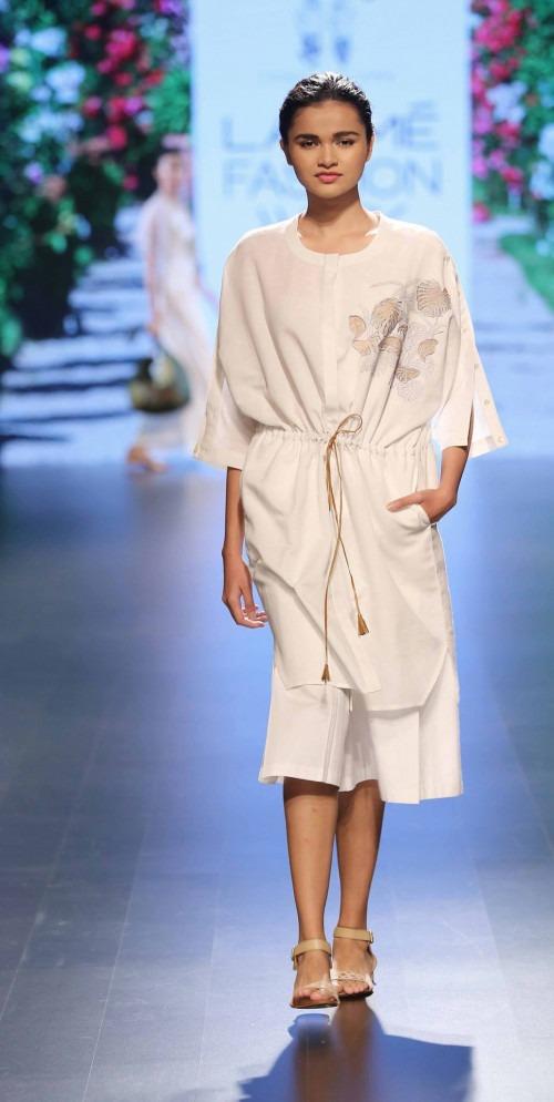 Rara Avis at Lakme Fashion Week AW16 - Look 7