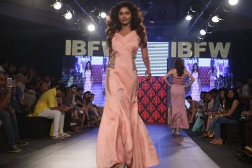 Riddhi Arora at India Beach Fashion Week AW15 - Look11