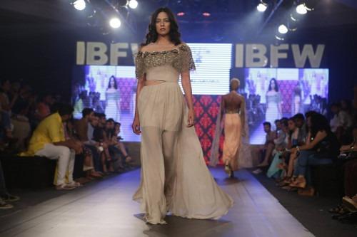 Riddhi Arora at India Beach Fashion Week AW15 - Look29