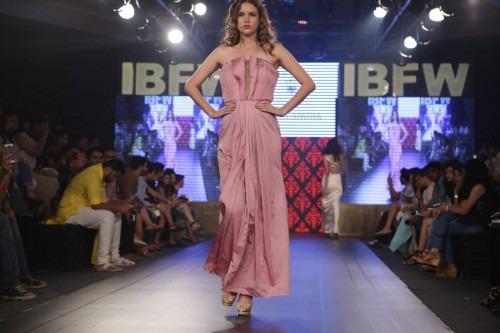 Riddhi Arora at India Beach Fashion Week AW15 - Look35