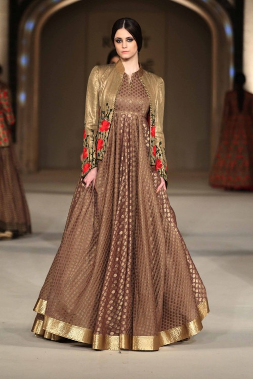 Rohit Bal at Lakme Fashion Week AW16 - Look 17  9c15e75ad2