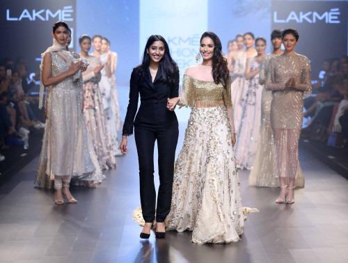 Shriya Som at Lakme Fashion Week AW16 - Look 10