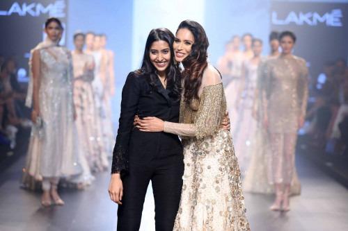 Shriya Som at Lakme Fashion Week AW16 - Look 4