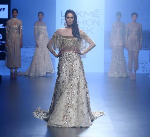 Shriya Som at Lakme Fashion Week AW16 - Look 9