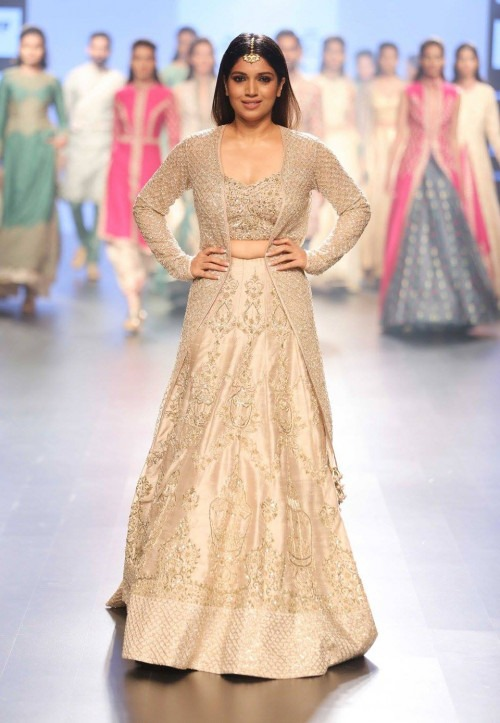 Sonam and Paras Modi at Lakme Fashion Week AW16 - Look 12