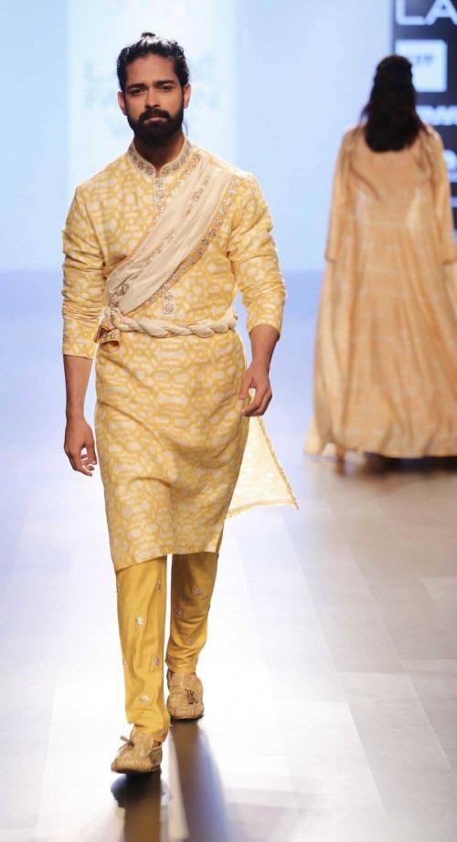 Sonam and Paras Modi at Lakme Fashion Week AW16 - Look 5