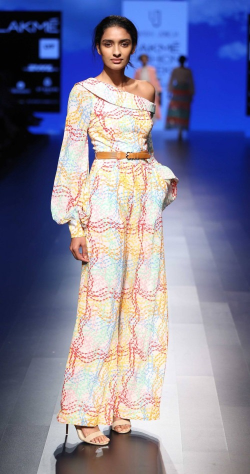 Urvashi Joneja at Lakme Fashion Week AW16 - Look 8