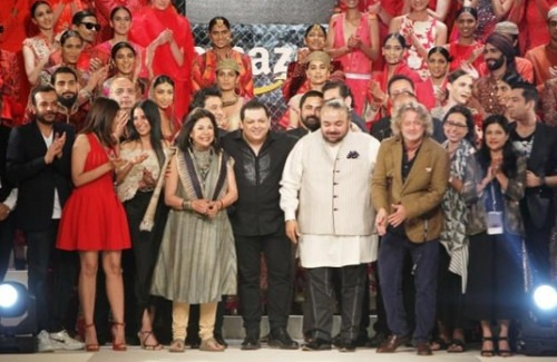 A Designer Spectacular - 25 Indian Designers Showcase at the Grand Finale of AIFW   Grand Finale Designers and Models